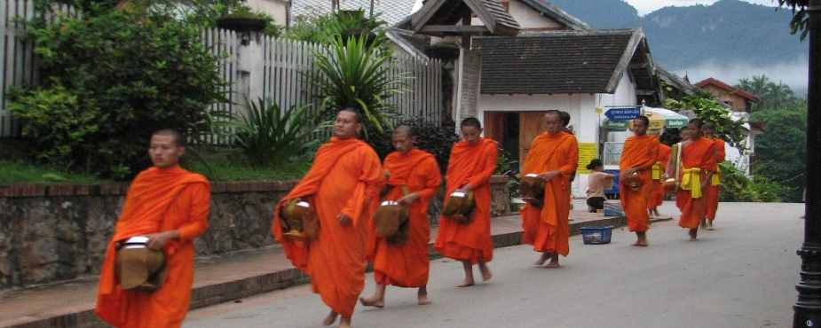 monks of luang prabang laos
